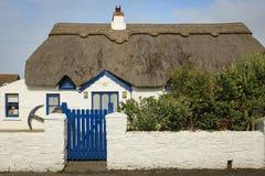 thatched коттедж Набережная Kilmore графство Wexford Ирландия стоковое изображение rf