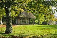 thatched trädgårds- skydd Royaltyfria Foton