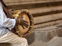Thavil, l'instrument de musique des Tamoul image stock