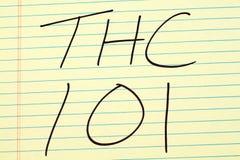 THC 101 på ett gult lagligt block Arkivfoto