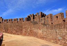 Free The Battlements And Steps Leading To The Torre De Menagem In Silves Castle Stock Photo - 167347390