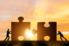 Free The Business Concept Of Teamwork With Jigsaw Puzzle Royalty Free Stock Photography - 80813667