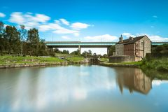 Free The Canal Lock And Lockkeeper`s House In Gathurst Stock Image - 126447551