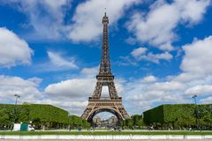 Free The Eiffel Tower Stock Photography - 58121032