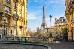Free The Eiffel Tower Seen From A Small Cobbled Dead-end Street Stock Images - 179502044