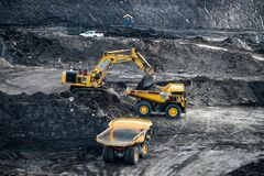 Free The Excavator In The Quarry., Production Of Coal In The Coal Mine Royalty Free Stock Image - 180863536