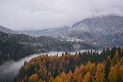 Free The Fog In The Valley Of The River Divides The Autumn From Winter Stock Images - 126572694