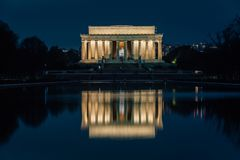 Free The Lincoln Memorial And Reflecting Pool At Night, At The National Mall In Washington, DC Royalty Free Stock Image - 147104296