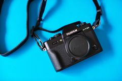Free The New FUJIFILM X-T30 Mirrorless Camera, Offers Similar Performance To The FUJIFILM X-T3, In A Smaller And Lighter Body. Royalty Free Stock Photo - 160203055