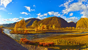 Free The Outskirts Of The Beautiful Autumn Scenery Royalty Free Stock Photos - 46156038