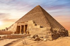 Free The Pyramid Of Cheops And The Temple Entrance, Giza, Egypt Royalty Free Stock Images - 164940649