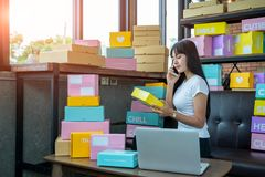 Free The Seller Are Preparing Products To Deliver To Their Customers, Online Sales, Or Ecommerce. Stock Photography - 159828412