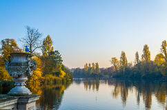 The Serpentine Lake At Hyde Park In Autumn Stock Images