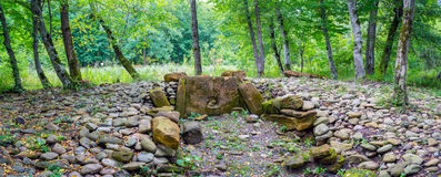 Free The Stones Of The Broken Ancient Dolmen Stock Photos - 76065173