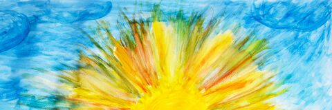 Free The Sun Is Painted In Yellow On A Sheet Of White Paper. . Children`s Drawing. Background. The Basis For The Postcard Royalty Free Stock Photography - 180014037