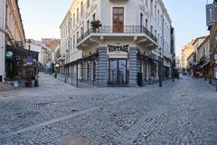 Free The Vintage Pub In Bucharest Old City Center, Closed Down In During The Coronavirus COVID-19 Outbreak Royalty Free Stock Image - 176136686