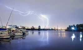 Thea Foss Waterway Tacoma Washington-Blitzschlag-Gewitter Stockfoto