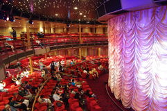 Theater in der Reiseflug Costa Victoria Stockbild
