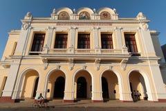 Theater im Hauptort von Cienfuegos lizenzfreies stockbild