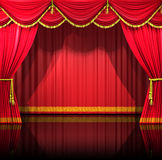 Theater-Trennvorhänge mit Hintergrund Lizenzfreie Stockfotos