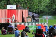 Theateraufführungen im Freien, gratis für die Öffentlichkeit, Kongress-Park, Saratoga Springs, New York, 2013 Stockbilder