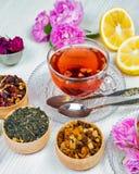 Thee, fruitthee, Kop thee, diverse soorten thee, thee op de lijst Stock Foto's
