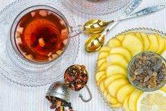 Thee, fruitthee, Kop thee, diverse soorten thee, thee op de lijst Stock Foto