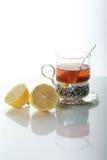 Thee in glasmok en citroenen Stock Fotografie