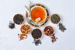 Thee, Kop thee, diverse soorten thee, thee op de lijst Stock Foto