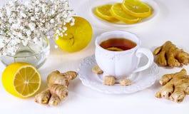 Thee met een citroen en een gember Royalty-vrije Stock Fotografie