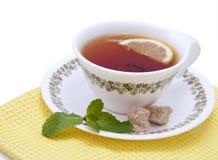 Thee met munt en citroen stock afbeelding