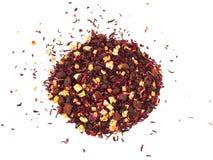 Thee van het mengsel de kruiden bloemenfruit met bloemblaadjes, droge bessen en vruchten Texsture Royalty-vrije Stock Foto's