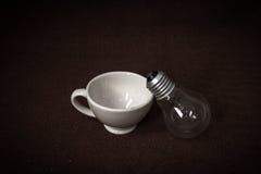 Theekop en lamp Royalty-vrije Stock Foto's