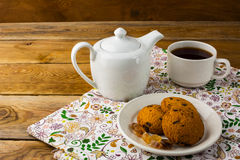 Theepot en kop thee, exemplaarruimte Royalty-vrije Stock Afbeelding