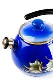 Theepot metaal, blauw, geïsoleerd op witte achtergrond stock afbeelding