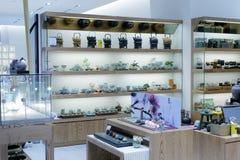 Theepotwinkel in Taipeh 101 de bouw Royalty-vrije Stock Foto