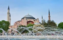 theHagia索非亚看法在晚上在伊斯坦布尔,土耳其 库存图片