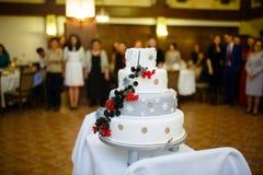 Themenorientierte Hochzeitstorte des Winters Lizenzfreie Stockbilder