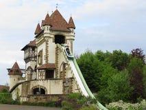 Themenorientierte Klotzwasserrutsche des Schlosses Stockfotos