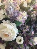 Themenorientierter Blumenstrauß des Hochzeitslavendels lizenzfreies stockbild