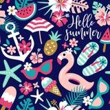 Themenorientiertes nahtloses Muster des Sommers mit tropischen Blumen und Strandzusätzen lizenzfreie abbildung