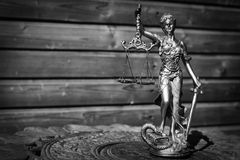 themis、femida或者正义雕塑的图象  免版税图库摄影