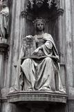 Themis in Griekse mythologie de godin van rechtvaardigheid stock foto