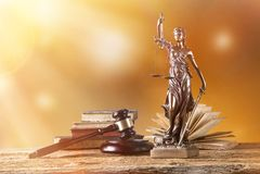 Themis in schijnwerper, wetsconcept Royalty-vrije Stock Fotografie