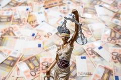 Themis sur l'euro fond Photos libres de droits