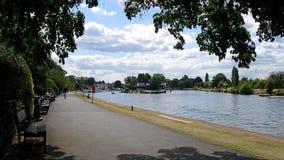 Themse-Flussufer in Kingston Lizenzfreies Stockbild