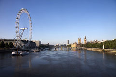 Themse mit dem London-Auge Stockfoto