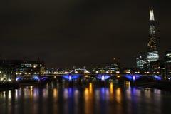 Themsen och skärva Arkivfoto
