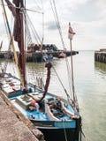 Themsen rusar in den Whitstable hamnen Fotografering för Bildbyråer