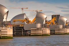 Themsenbarriär i Woolwich, London, Förenade kungariket Royaltyfri Bild